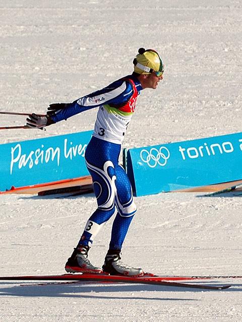 Italienske Pietro Piller Cottrer vant 30 km fellesstart med skibytte under prøve-OL, men ble bare nr 14 i OL året etter. Her fra OL i Torino i 2006, der han tok bronse på distansen. (Foto: Bjarte Hetland)