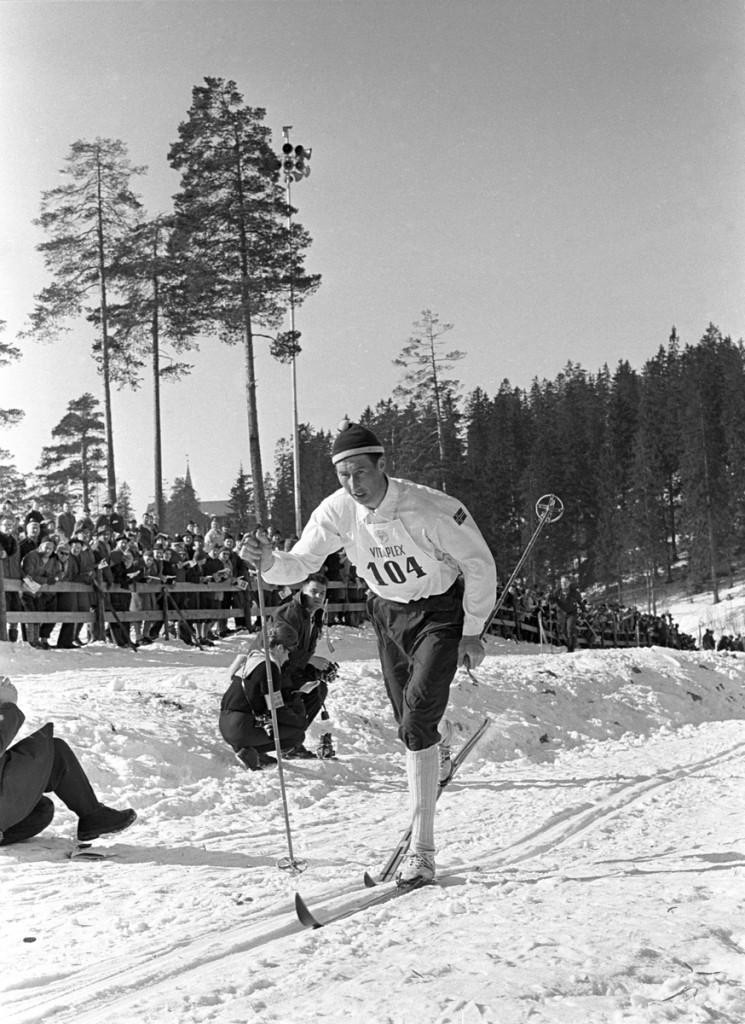 Harald Grønningen fotografert på 15 km i Holmenkollen i 1963.