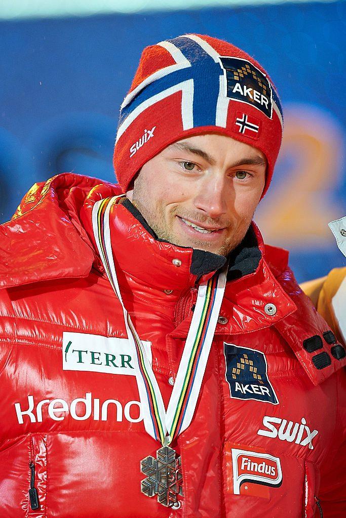 Bilde av Petter Northug med sølvmedaljen fra sprinten første dag under VM i Oslo i 2011