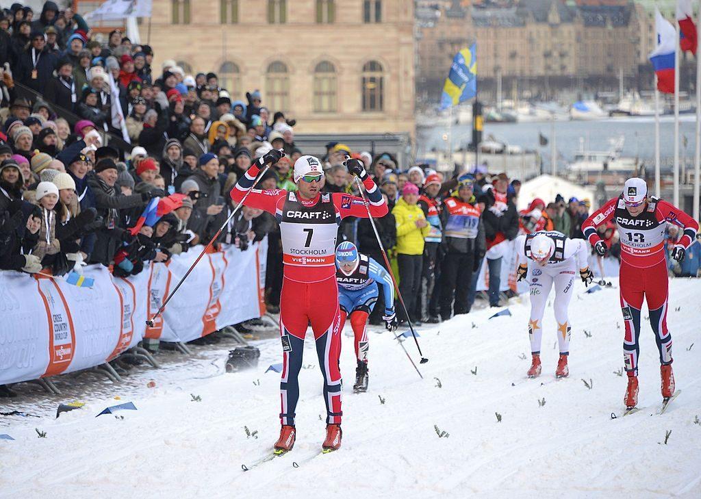 Bilde av Petter Northug som går i mål til seier på Royal Palace Sprint i Stockholm i 2013.