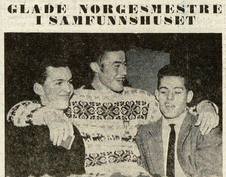 Faksimile Ringerike Blad 12.2.1962, Reidar Grønningen bæres på gullstol.