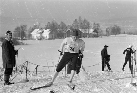 Bilde av skiløperen Reidar Hjermstad.
