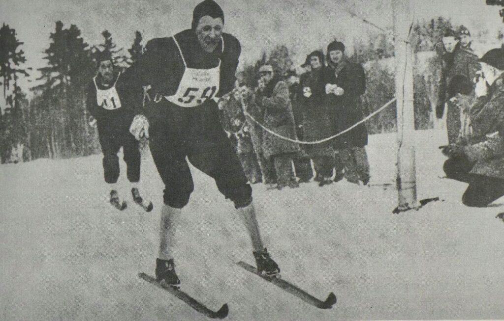 Bilde av langrennsløperen Arnljot Nyaas under VM i 1950.
